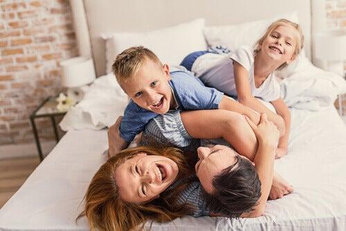Kuinka auttaa lasta muodostamaan positiivinen minäkuva?