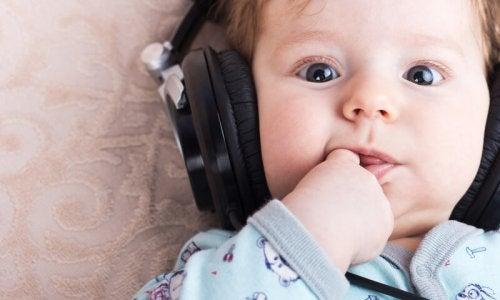 Paras musiikki lapsen nukuttamiseen