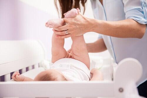Millainen on hyvä hoitopöytä vauvalle?