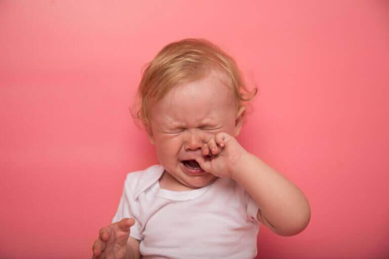 Hampaiden puhkeamisen oireet