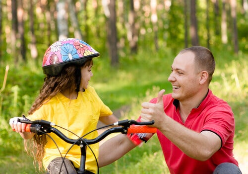 Kuinka kehua lapsia tasapuolisesti?