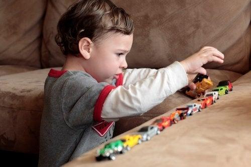Autistinen lapsi kotona