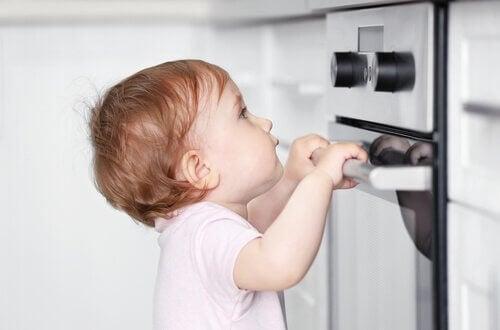Näin teet kodista lapsiturvallisen