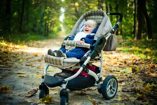 Mitä asioita kannattaa ottaa huomioon lastenrattaita valittaessa?