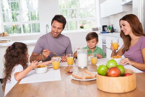 Ravitseva aamiainen kouluikäiselle lapselle
