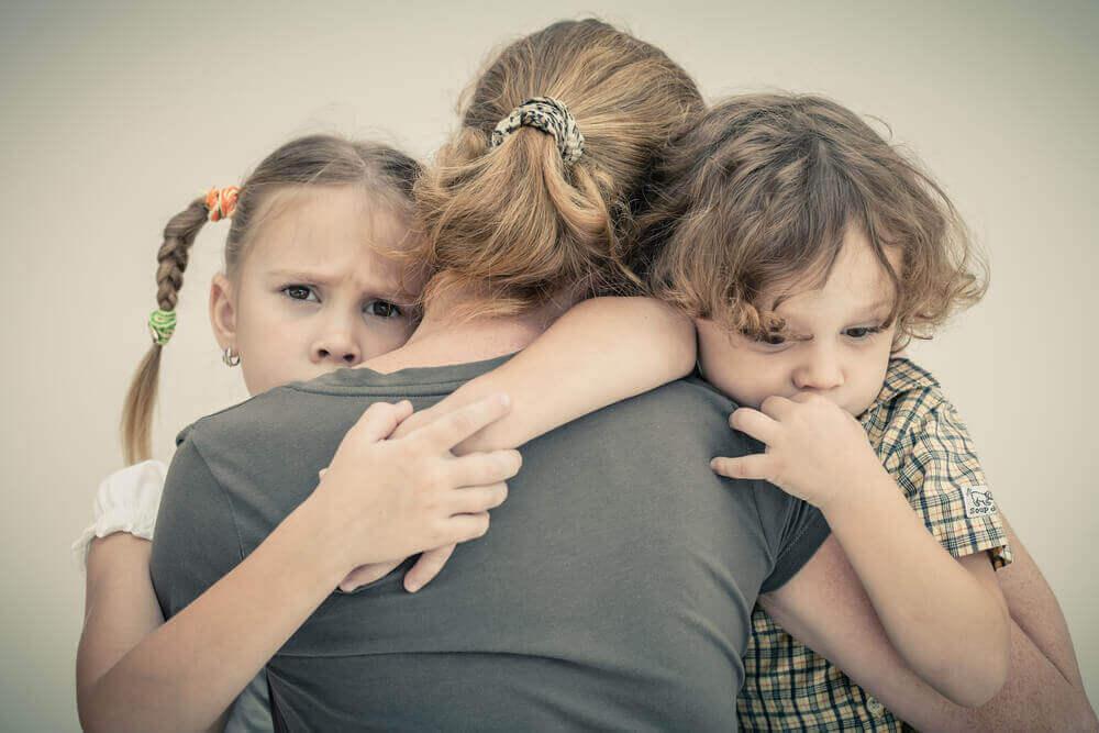 Älä anna oman ahdistuksesi vaikuttaa lapsiisi