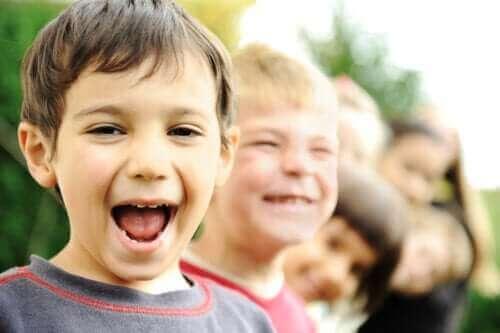 Nämä 16 sitaattia auttavat lasta aloittamaan päivänsä positiivisuudella