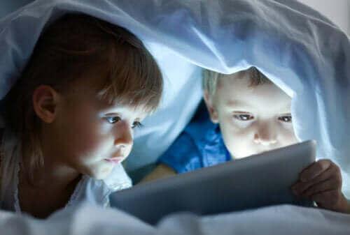 Ruutuajan negatiiviset vaikutukset kohdistuvat erityisesti lapsen näkökykyyn