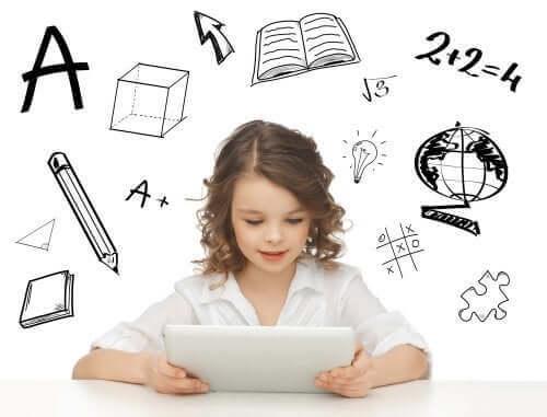 Opettavaista sovellusta kannattaa hyödyntää lapsen kehityksen tukemisessa