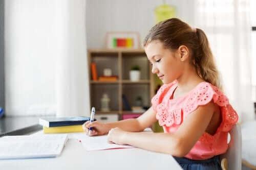 Viihtyisä ja miellyttävä opiskelutila auttaa lasta keskittymään opiskeluun