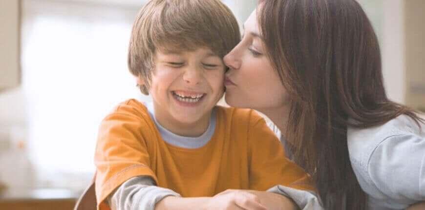 Lapsen itsetuntoa vahvistavat harjoitukset koulussa ja kotona