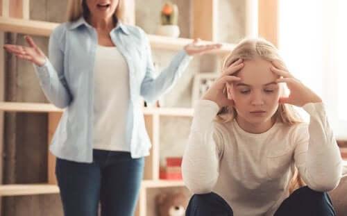 Miten liian ankarat vanhemmat vaikuttavat lapseen?