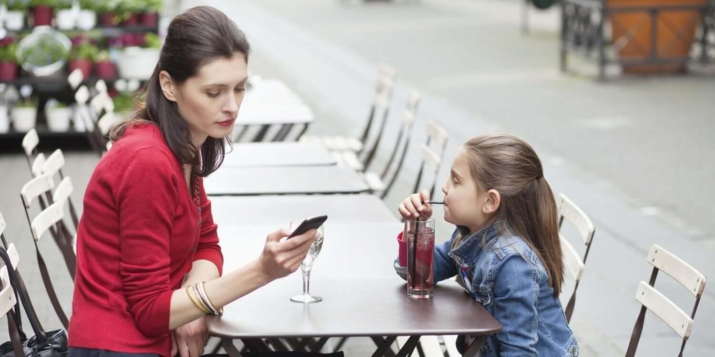Lapsi sosiaalisessa mediassa