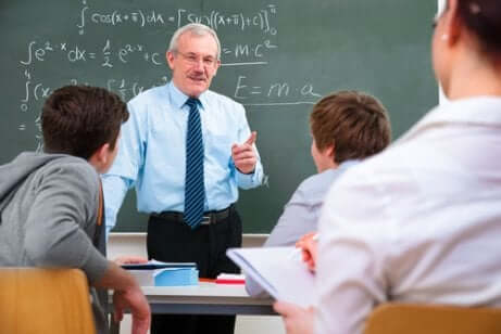 Hyvä opettaja kehittää omia kykyjään ja taitojaan jatkuvasti