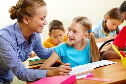 Hyvä opettaja on ihmisläheinen ja sydämellinen.