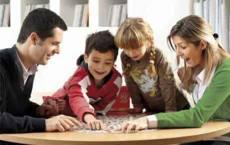 Miksi pelien pelaaminen lapsen kanssa kannattaa?