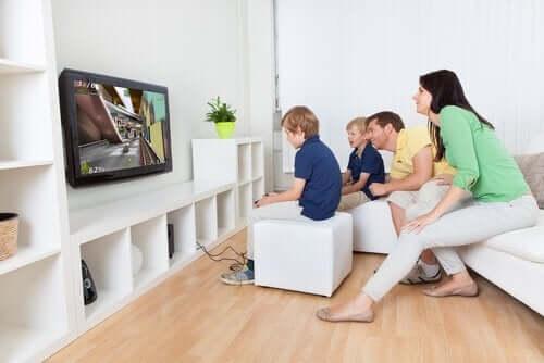 Myös videopelien pelaaminen voi olla vuorovaikutteista