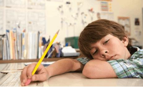 Lapsen koulumenestykseen vaikuttaa niin sisäisiä kuin ulkoisiakin tekijöitä.