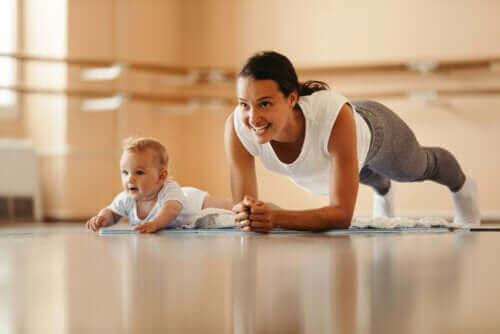 Lapsen jäljittely perustuu peilineuronien toimintaan