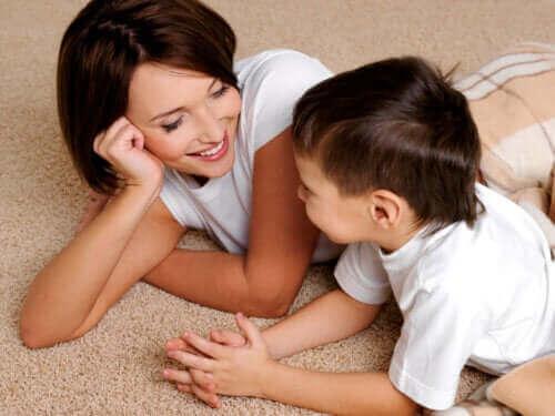 Kuinka parantaa lapsen puheen sujuvuutta?