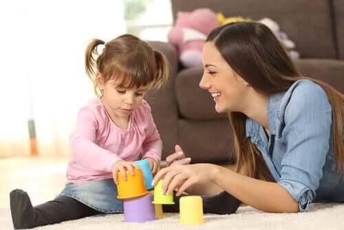 Mitä eroa on au pairilla, lastenhoitajalla ja lapsenvahdilla?