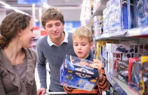 Kuinka opettaa lasta välttymään pakonomaiselta kuluttamiselta?