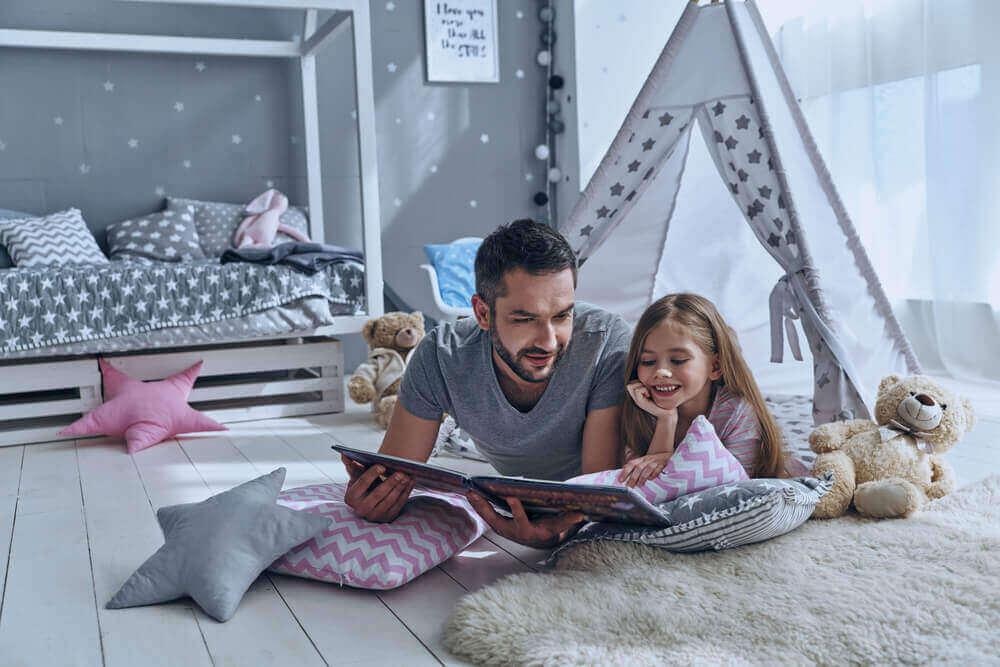5 vinkkiä, joiden avulla rohkaista lasta lukemaan ja nauttimaan lukemisesta