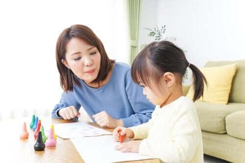 Mitä eroa on au pairilla, lastenhoitajalla ja lastenvahdilla?