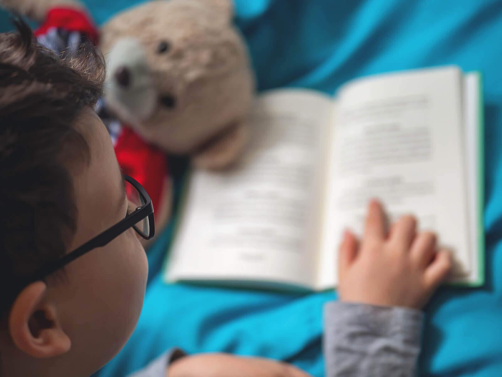 4 keinoa stimuloida lukemista kotona