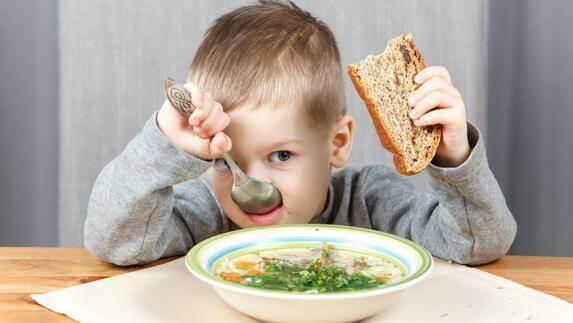 Miten saada lapsi syömään terveellisesti?