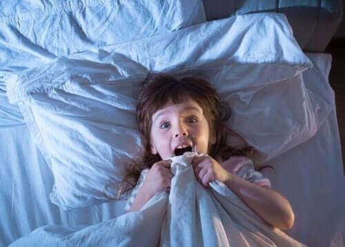 Miten lapsi voi välttyä painajaisilta?
