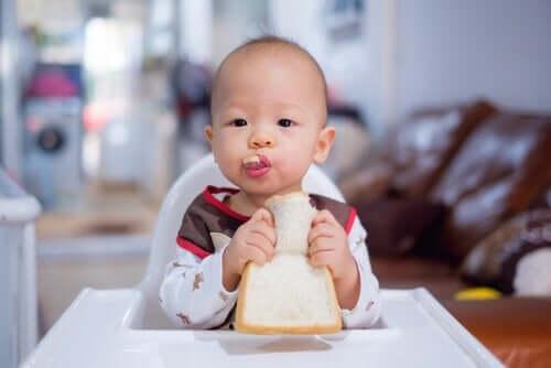 Mitä tapahtuu, kun vauva on 11 kuukauden ikäinen?