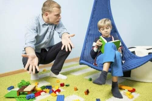 8 vinkkiä, kuinka opettaa lapsi järjestelmälliseksi