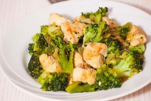 3 helppoa ja herkullista parsakaalireseptiä