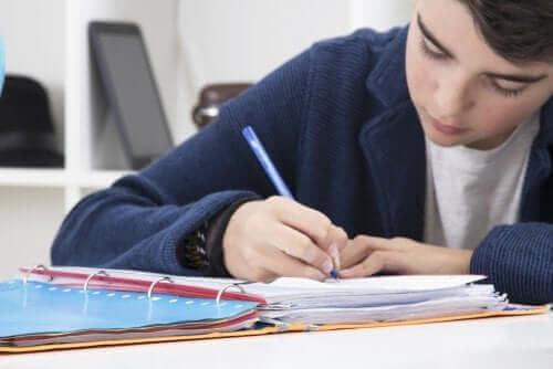 Pomodoro-tekniikka tehostamaan opiskelua ja työntekoa