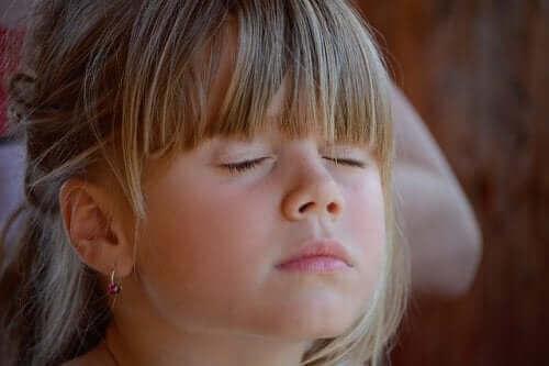 Koeppen-tekniikka auttaa lasta rentoutumaan