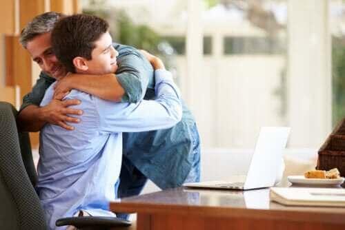 13 tapaa lähentyä teini-ikäisen lapsen kanssa