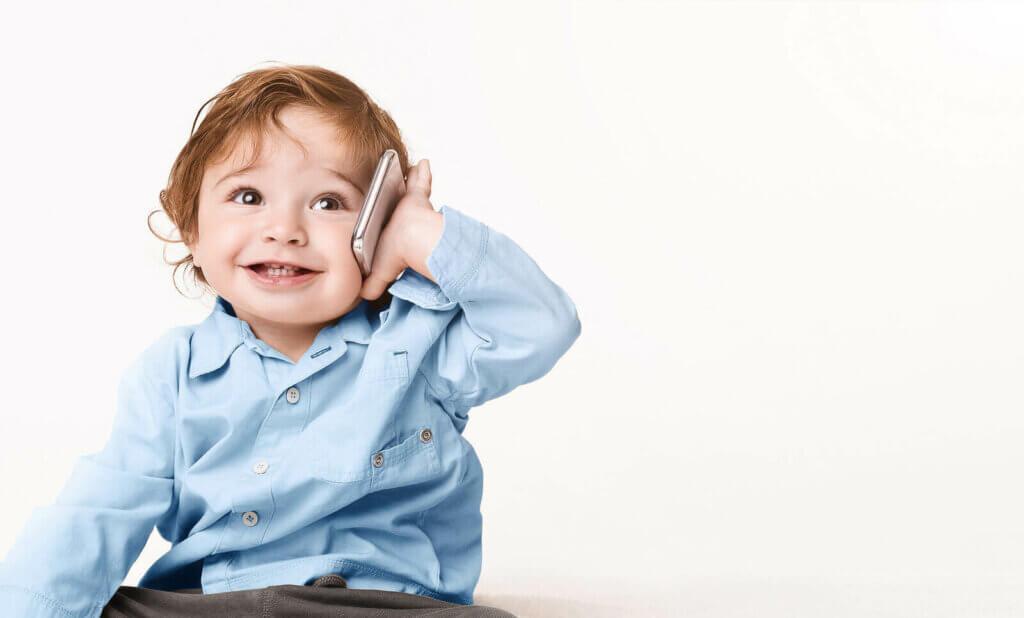 Ensimmäiset sanat merkitsevät uuden ajan alkua lapselle