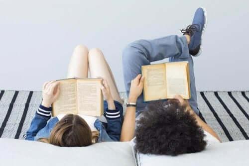 5 nuorten aikuisten kirjaa, joiden aiheena on aikamatkustus