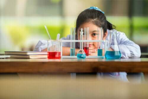 Curyn teoria älykkyydestä pyrkii parantamaan opetus-oppimis-prosesseja