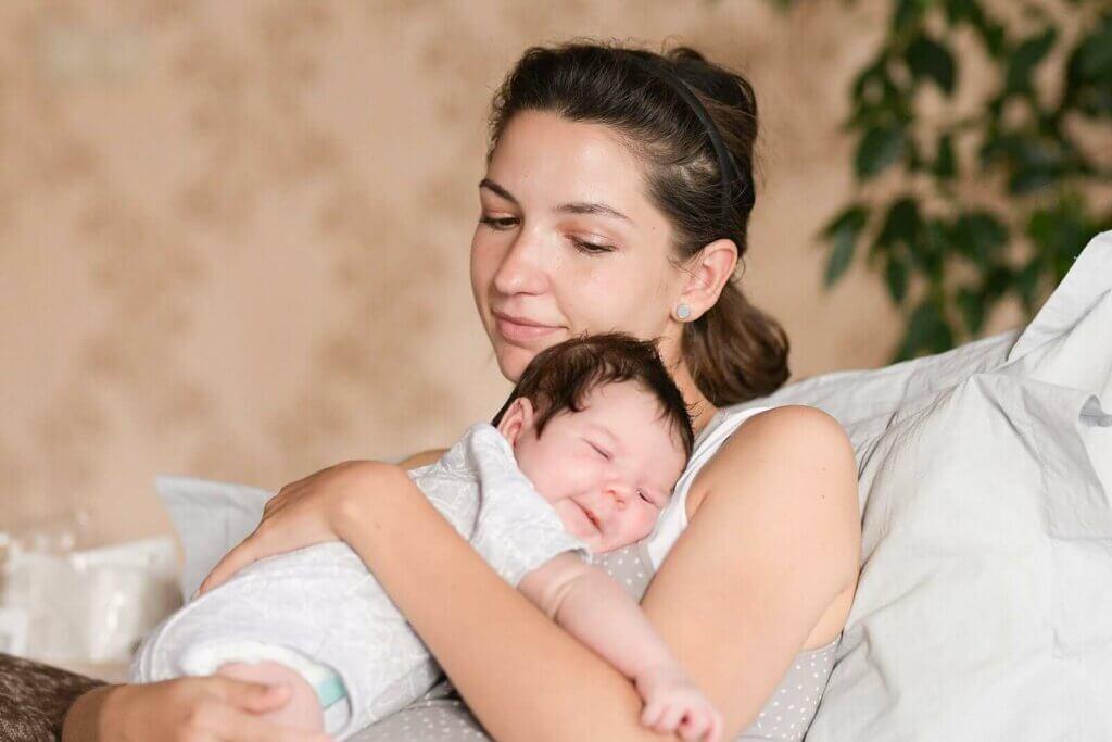 5 tapaa muodostaa yhteys vauvaan