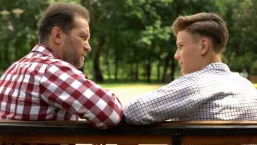 Vanhemman ja lapsen välinen positiivinen keskustelu saa aikaan positiivisia vaikutuksia kummassakin osapuolessa