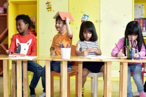 5 harjoitusta, joiden avulla lapsi voi valmistautua esikoulun aloitukseen