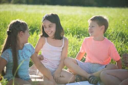 3 hauskaa koko perheen ulkopeliä