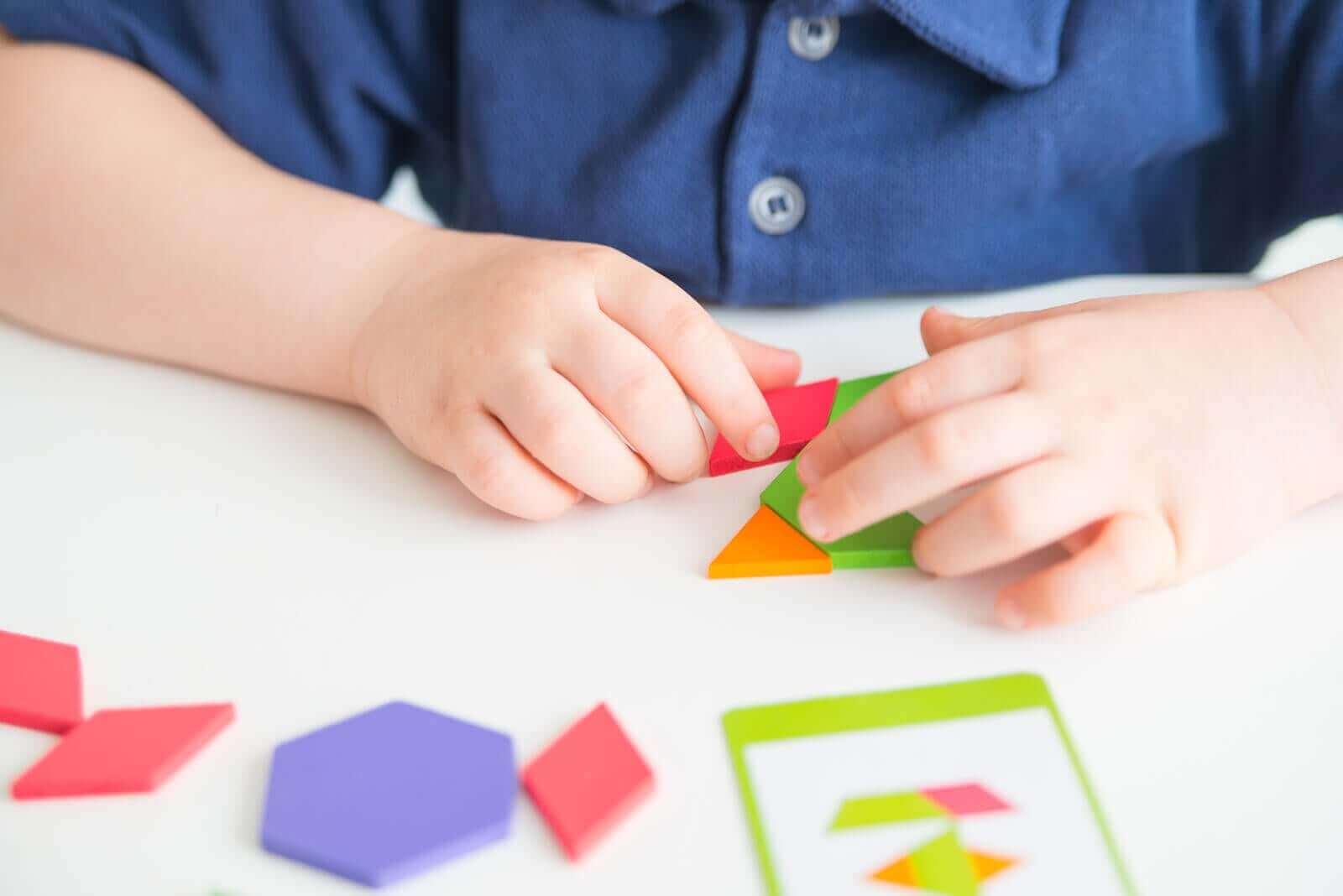 Tangrammin hyödyt lapselle - se auttaa edistämään lapsen mielikuvitusta ja luovuutta.