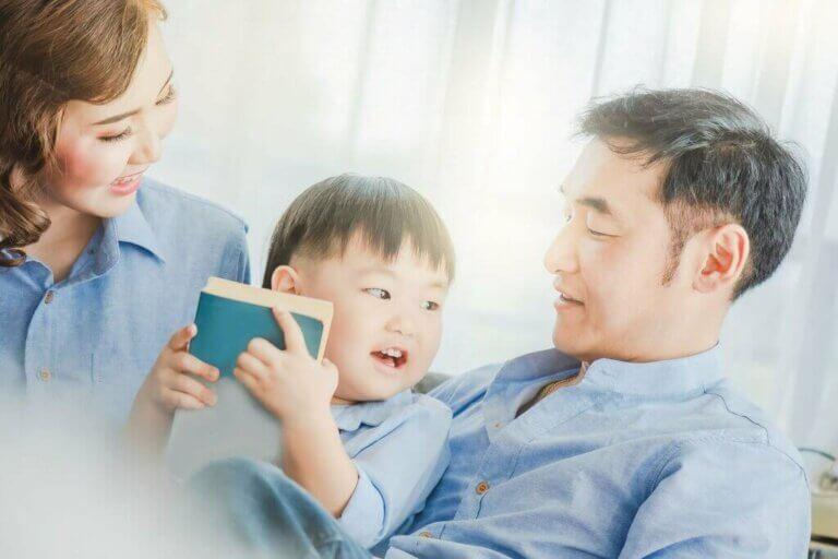 6 menetelmää, joiden avulla opettaa lasta lukemaan ja kirjoittamaan