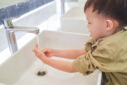 6 suurta muutosta 2-3-vuotiaan lapsen elämässä