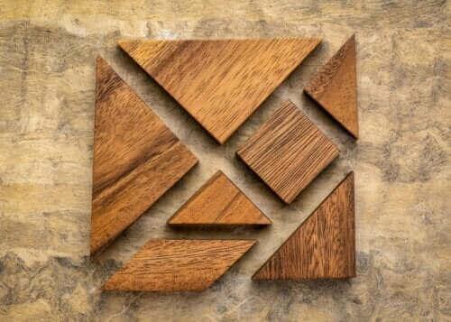 Mitä ovat tangrammit ja mitä hyötyjä niistä on lapsille?