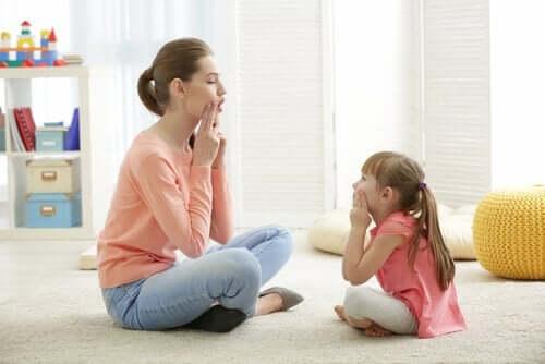 Älä tee näitä virheitä, kun lapsi lausuu sanoja väärin