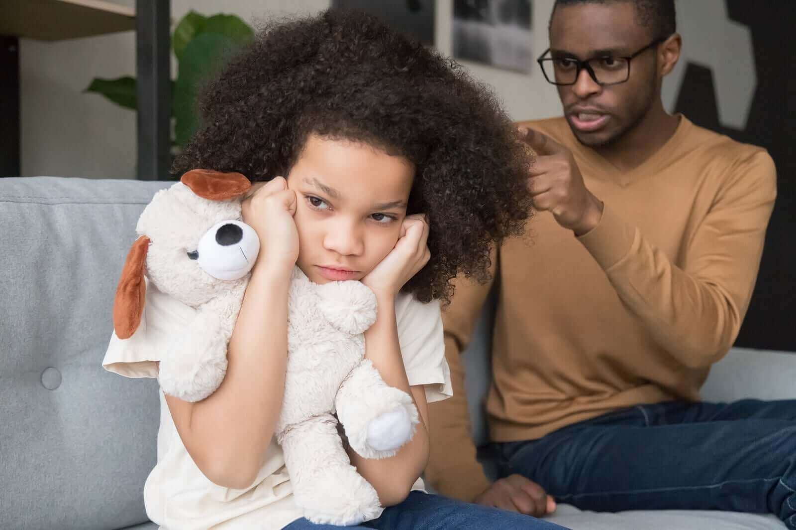 Oranssi sarvikuono -tekniikka auttaa lopettamaan lapselle huutamisen
